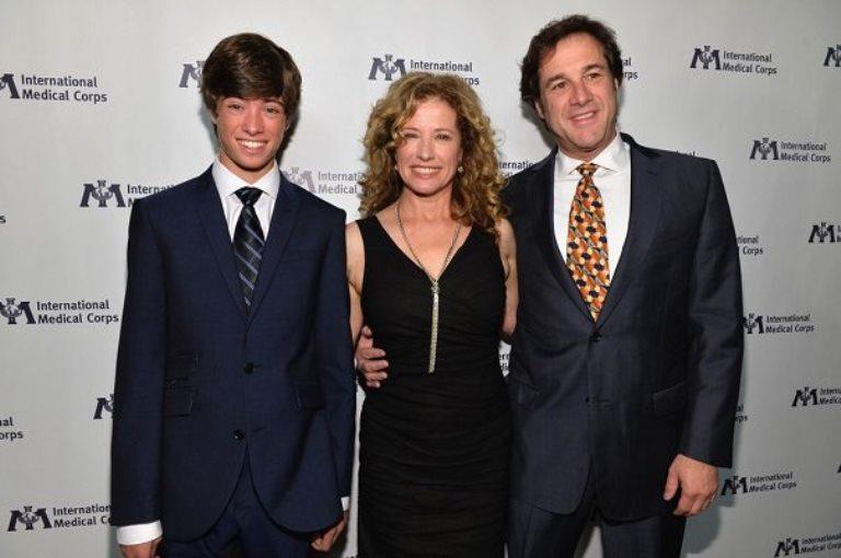 Nancy Travis Husband, Family, Age, Height, Measurements, Net Worth
