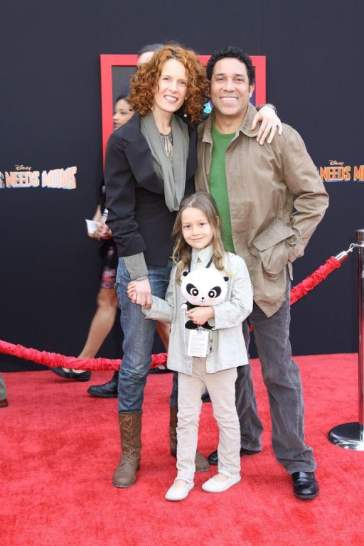 Oscar Nunez Biography, Wife, Net Worth, Find Out If He is Gay or Straight?