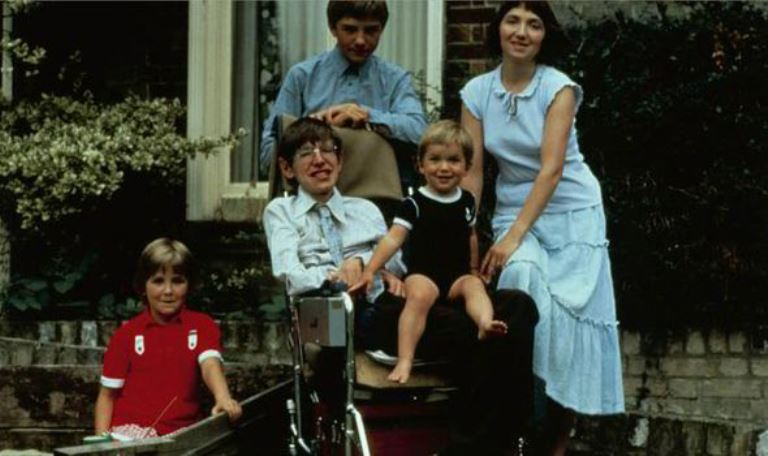 Robert Hawking Wiki, Bio, Son of Stephen Hawking, Parents, Family, Wife