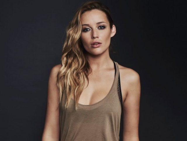 Sarah Dumont Biography, Age, Height, Body Measurements, Quick Facts