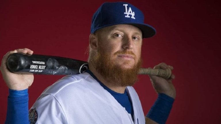 Justin Turner Wife, Girlfriend, Family, Height, Weight, Measurements