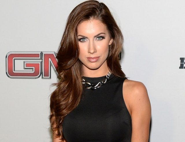 Who Is Katherine Webb, Is She Married To A Husband? Her Kids, Net Worth