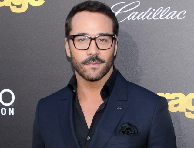 Jeremy Piven Married, Wife, Girlfriend, Height, Body Stats, Is He Gay?