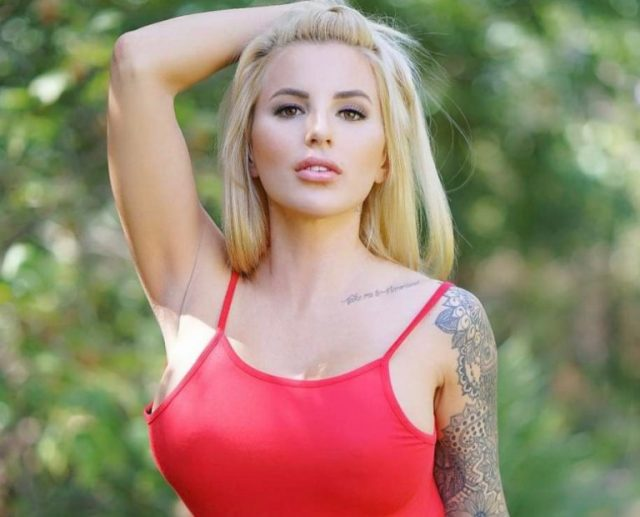 Jessica Weaver Biography, Facts and Family Life of The Instagram Star