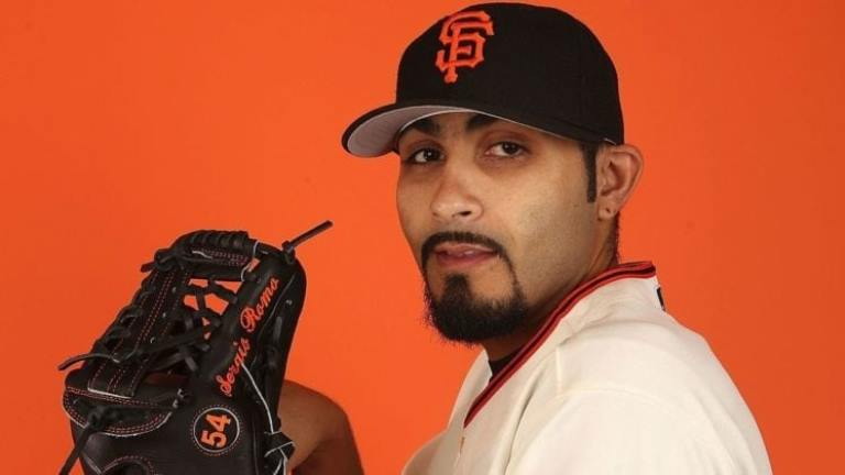 Sergio Romo Height, Weight, Measurements, Wife, Family, Net Worth