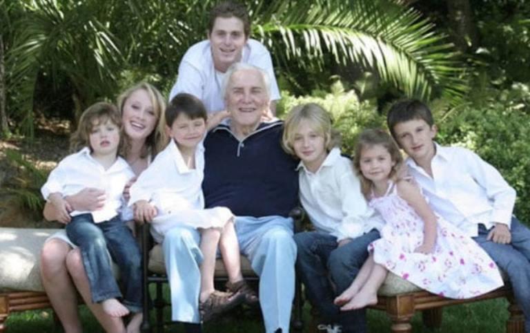 How Old is Kirk Douglas, is He Dead? His Net Worth, Grandchildren, Wife
