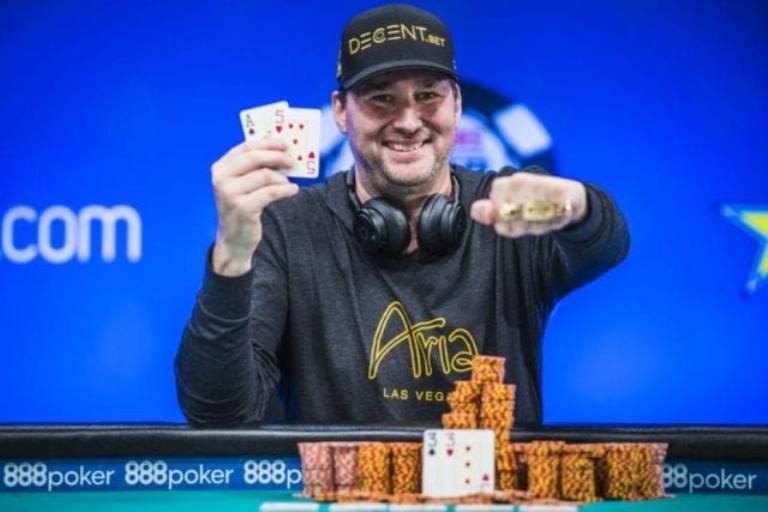 Who is Phil Hellmuth the Pro Poker Player? His Wife, Family, Bio