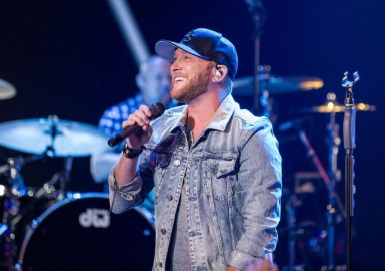 Cole Swindell Married Wife, Dad, Family, Age, Girlfriend, Height