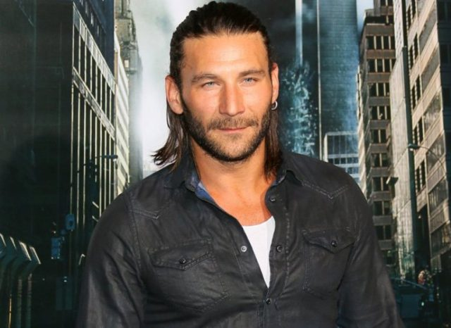 Zach McGowan Bio, Wife, Height, Weight, Age, Ethnicity, Acting Career