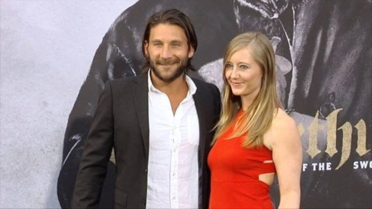 Zach McGowan – Bio, Wife, Height, Weight, Age, Ethnicity, Acting Career